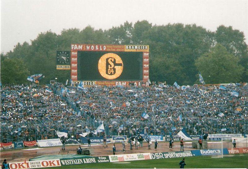 800px-Parkstadion_1998-09-12.jpg