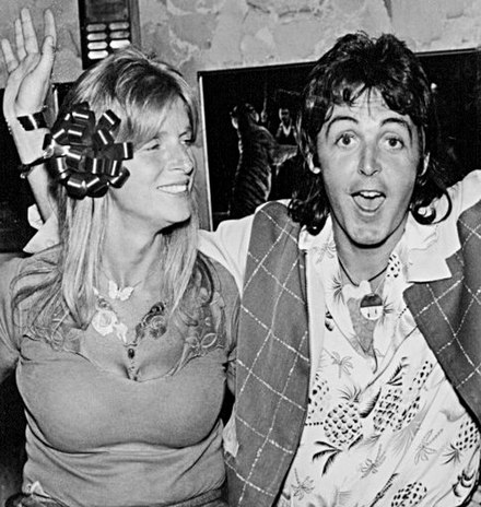 McCartney (right) with wife Linda in 1976 Paul and Linda McCartney Wings Over America 1976 (cropped).jpg