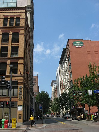 Penn Avenue - The 900 block of Penn Avenue.