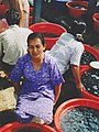 People fishmarket Indonesia.jpg