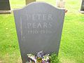 Peter Pears grave by Arno Drucker.jpg