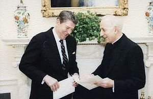 Pio Laghi - Image: Pio Laghi visits with Ronald Reagan