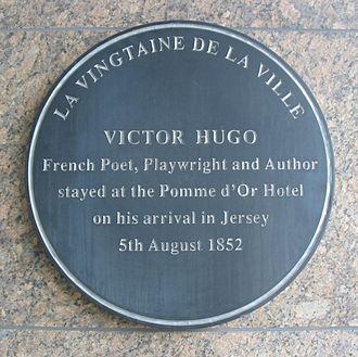 Vingtaine de la Ville - Image: Plaque Victor Hugo Jersey