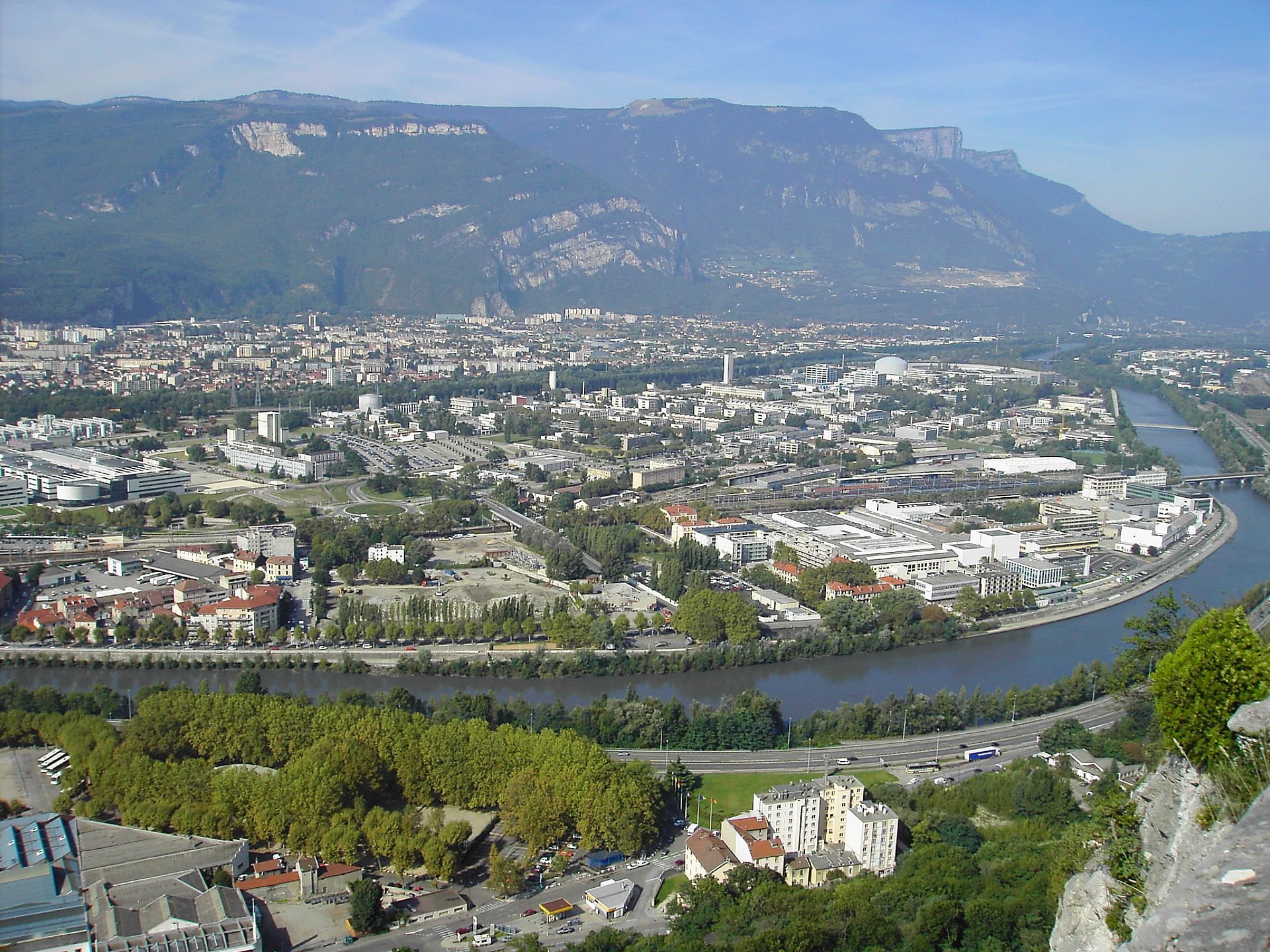 Polygone scientifique wikip dia for Superficie grenoble