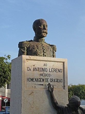 Maximiano Alves - Monument to António Lereno at Lereno Square in the center of Praia