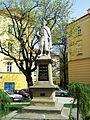 Przemyśl, plac Rynkowy z placem Dominikańskim, XVI, XVIII, XIX - pomnik Jana III Sobieskiego na rynku.JPG