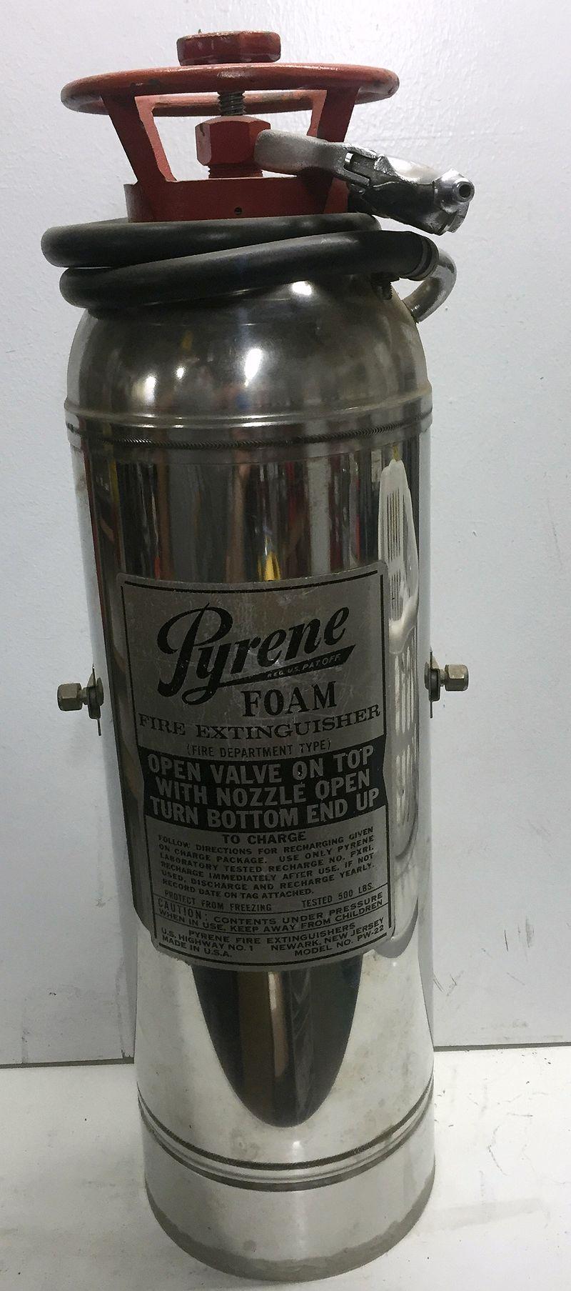 Pyrene apparatus type chemical foam, 1960s.jpg