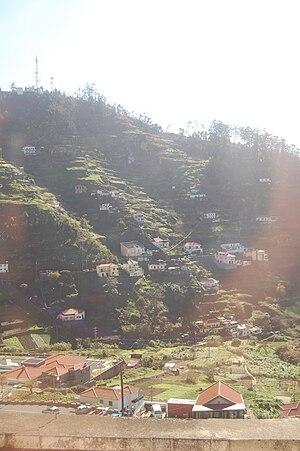 Quinta Grande - The radio and telephone towers located in the eastern escarpment of Quinta Grande