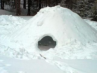 Quinzhee Canadian indigenous snow shelter