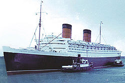 RMS Queen Elizabeth in Cherbourg 1966