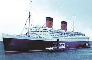 RMS Queen Elizabeth tug.jpg