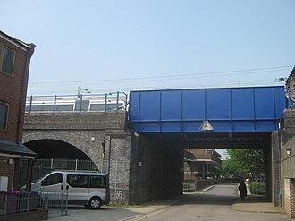 Stepney Causeway - DLR railway bridge on Stepney Causeway