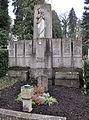 Ravensburg Hauptfriedhof Grabmal Bernhard img02.jpg