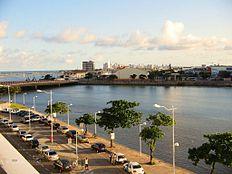 Recife Antigo. Ao fundo, Boa Viagem.