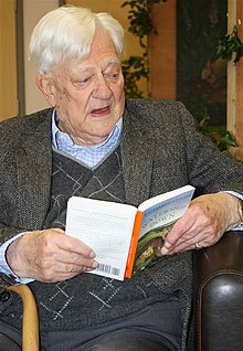 Adams reads from Watership Down in 2008