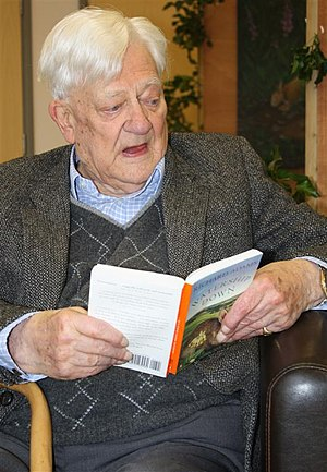 English: Richard Adams, author of 'Watership D...