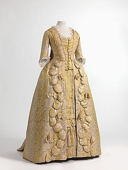 Robe à la française in Chinese silk damask, 1770-1780. MoMu - Fashion Museum Province of Antwerp, www.momu.be. Photo by Hugo Maertens, Bruges.