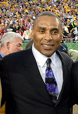 Roger Craig at Super Bowl 43.jpg