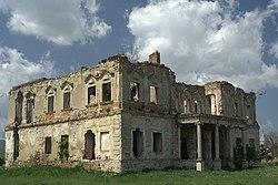 http://upload.wikimedia.org/wikipedia/commons/thumb/e/e8/Romania_Coplean_Castelul_Haller.jpg/250px-Romania_Coplean_Castelul_Haller.jpg