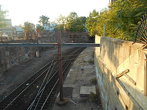 Roseville Avenue station - Roseville Avenue's former Montclair Branch platforms in September 2014, 30 years after closing