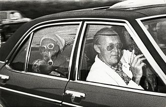 Lockheed bribery scandals - The Dutch Prince Bernhard and Queen Juliana returning from Italy because of developments in the Lockheed scandal. In the back seat Juliana with her dog Sara. The Netherlands, August 26, 1976.