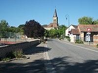 Saint-Aubin-le-Monial depuis la rue des Écoles 2018-08-15.JPG