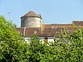 Saint-Loup-de-Naud (77), colombier de la ferme de la Haute-Maison, vue depuis la rue des Vieux-Moulins 3.jpg