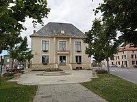 Saint-Sauvant (Vienne) mairie.JPG