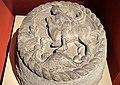 Saint Georges terrassant le dragon, clé de voûte provenant du palais des gouverneurs de Bastia, 16e siècle.jpg