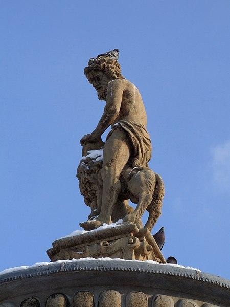 Soubor:Samson fountain (Samsonova kašna) - main statue.JPG