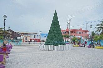 San Pedro Town - Image: San Pedro, Ambergris Caye, Belize Central Park