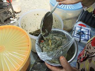 Daun ubi tumbuk - Image: Sayur daun ubi tumbuk