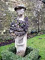 Second female sculpture - Barnsley House - geograph.org.uk - 1122771.jpg