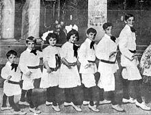 Sevenlittlefoys-Jan22-1916.jpg