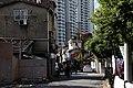 Shanghai-altes Wohngebiet 24-vor Hochhaeusern-2012-gje.jpg