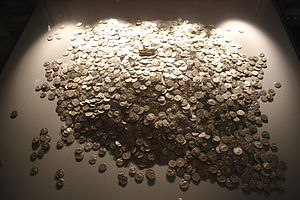 Shapwick Hoard - Image: Shapwick Hoard at the Museum of Somerset 4