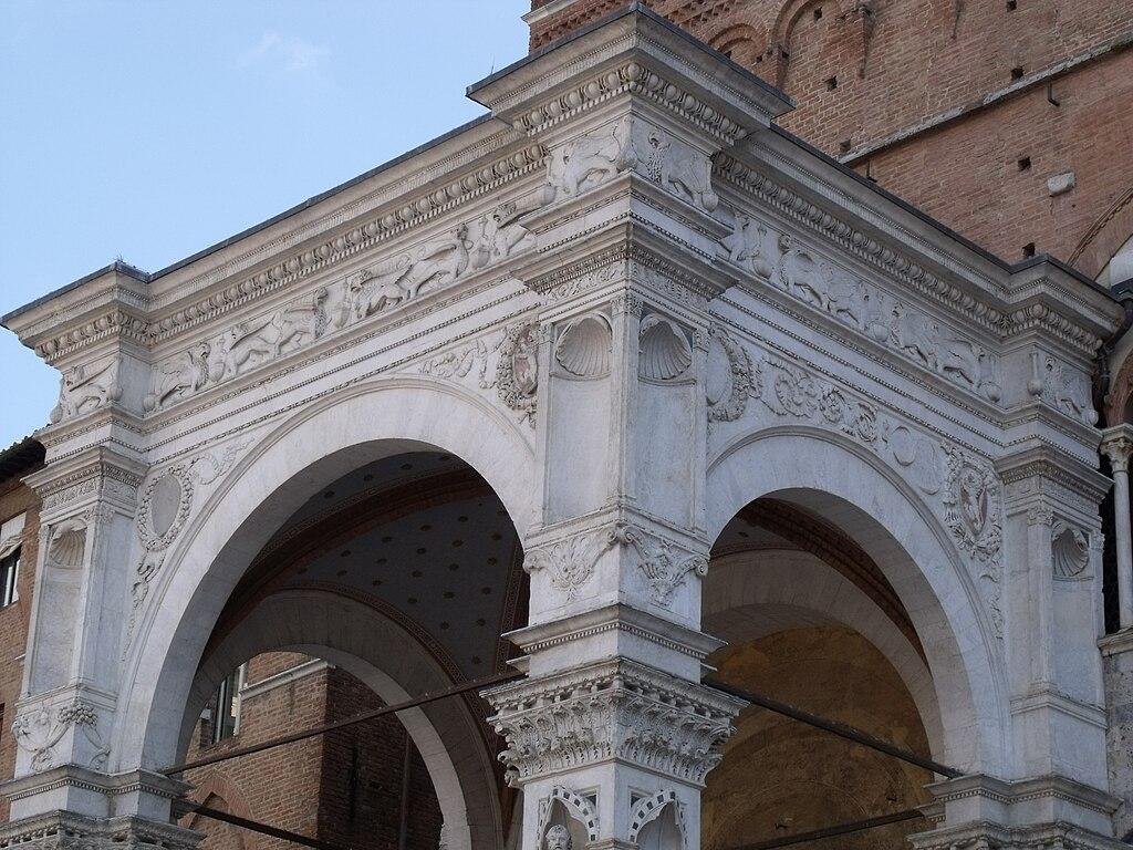 La volta in stile rinascimental della Cappella di Piazza, piazza del Campo, Siena