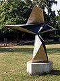 Skulptur Erwin-Barth-Platz (Charl) 1969 Volkmar Haase.jpg