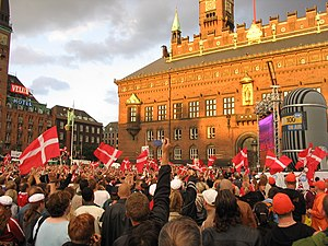Roligan - Crowd watching match at the Copenhagen City Hall Square.
