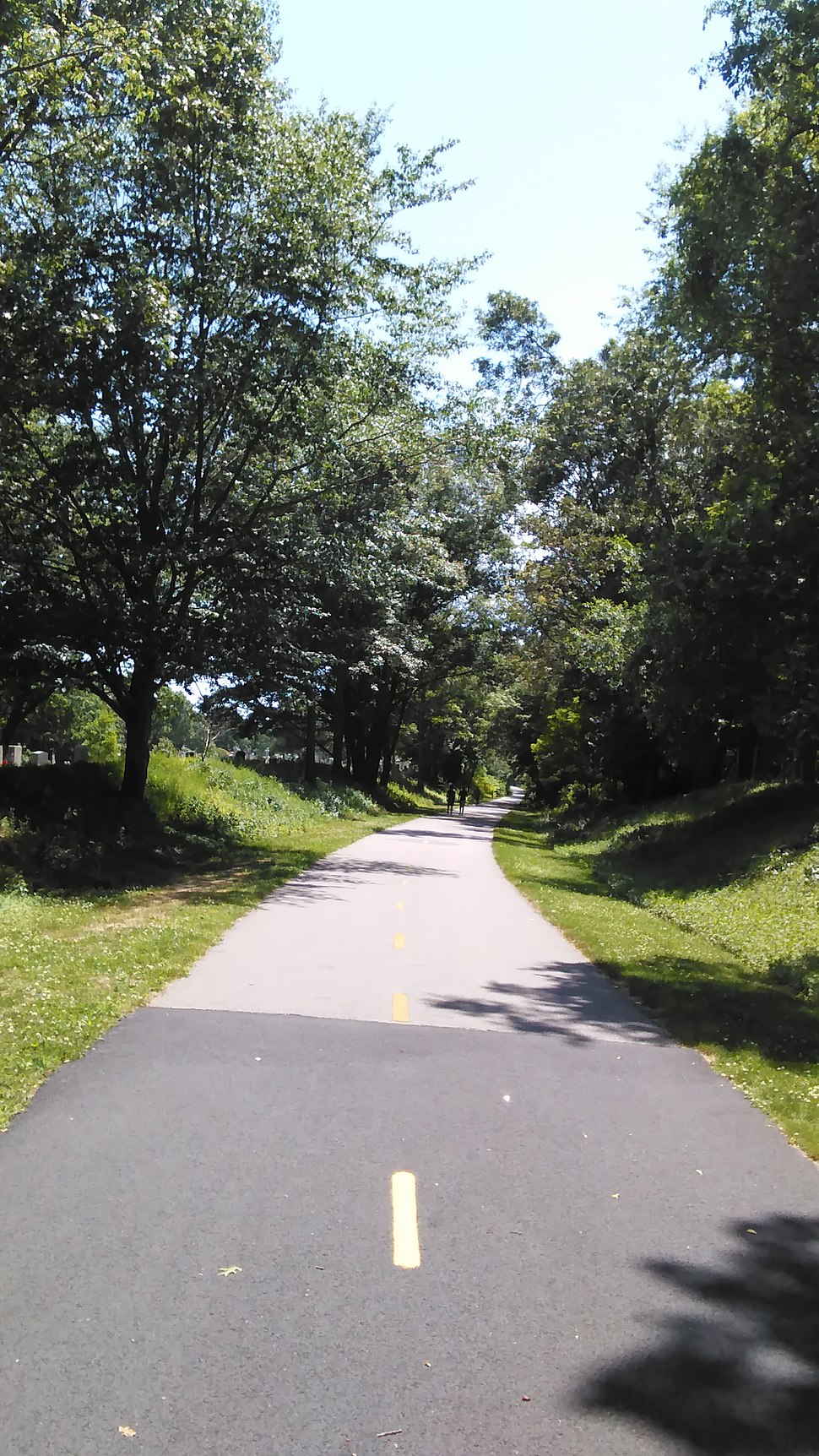 South County Bike Path in Peace Dale, June 2016