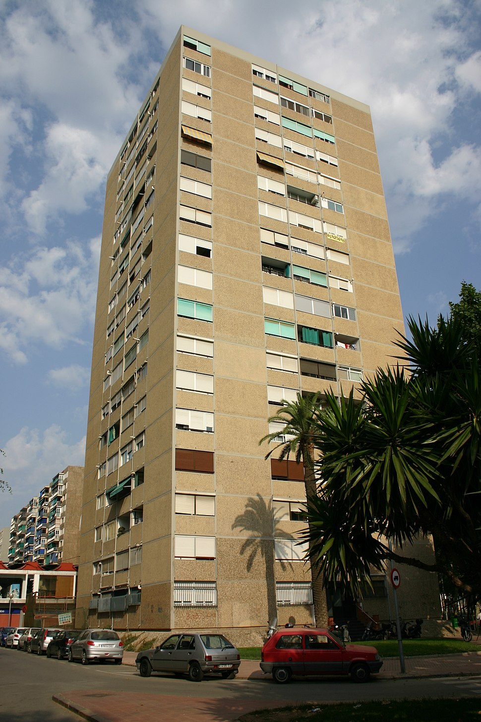 Spain.Hospitalet.Bellvitge.Edifici.jpeg