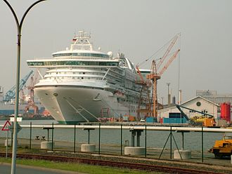 Star Princess - Star Princess at Bremerhaven, showing the portside with scaffolding