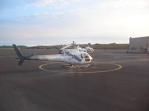 Starr 051019-8190 Air Maui helicopters (N4AK in the foreground) at Kahului Heliport