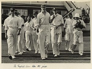 Douglas Jardine - Image: State Lib Qld 1 233112 English cricket team at the test match held in Brisbane, 1928