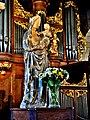 Statue de Vierge à l'enfant.jpg