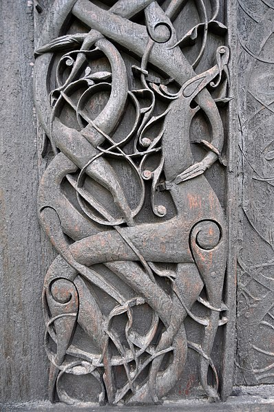 Datei:Stave church Urnes, craving detail 1.jpg