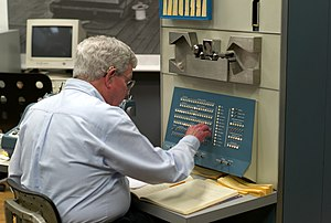 Computer History Museum - Steve Russell, creator of Spacewar!, operating the PDP-1 at the Computer History Museum