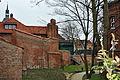 Stralsund, Katharinenkirche und Stadtmauer (2012-04-10) 1, by Klugschnacker in Wikipedia.jpg