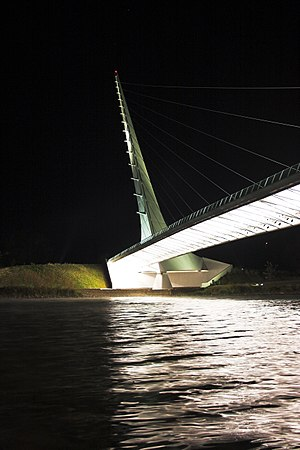 Sundial Bridge at Turtle Bay - Sundial Bridge at night