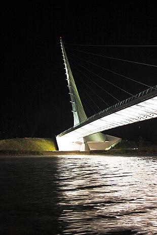 "<a href=""http://search.lycos.com/web/?_z=0&q=%22Sundial%20Bridge%20at%20Turtle%20Bay%22"">Sundial Bridge at Turtle Bay</a>"